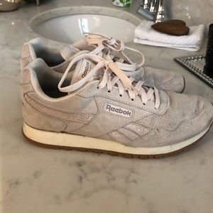 Pair of barely used tennis shoes